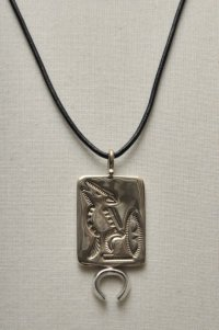 "HACKNEY CARRIERS ""WOLF PENDANT"""