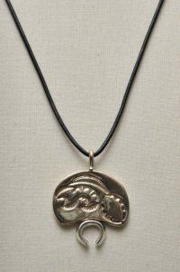 "HACKNEY CARRIERS ""BEAVER PENDANT"""