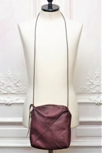 "m.a+ "" ONE PIECE SMALL BOX MESSENGER BAG "" col.WINE"