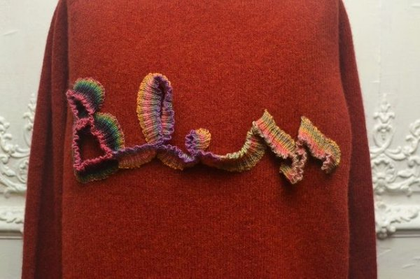 "画像2: BLESS N゜68 "" BLESSlogoknit "" col.dirty red2, multirainbowcolors"
